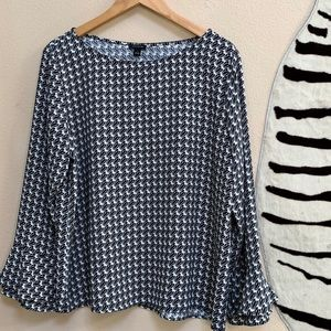 ANN TAYLOR LS Blouse in black and white